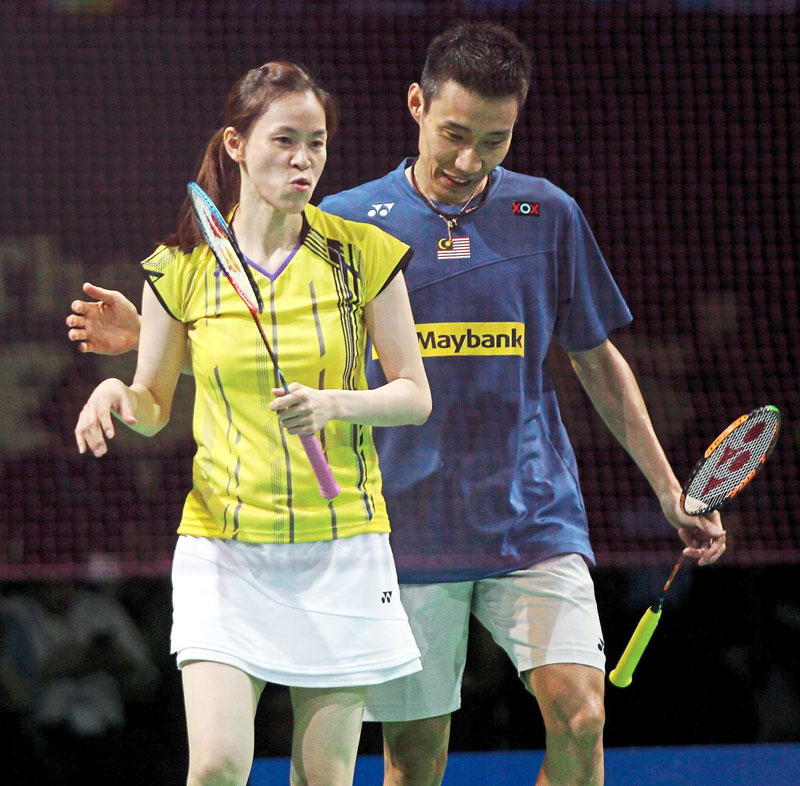 lee-chong-wei-prepares-for-the-tournament-with-his-wife